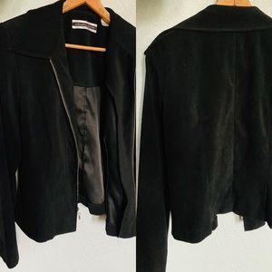 Amanda Smith black suede dress blazer with zipper.